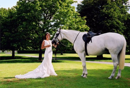 bride-with-horse-2-feb08